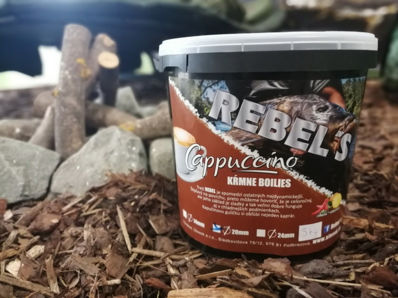 Rebel´s Cappuccino kŕmne boilies 20mm /3kg